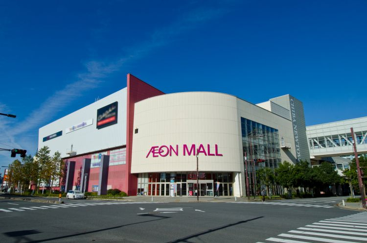 AEON MALL Chiba-Newtown (The shopping mall building and The cinema and sports building)2
